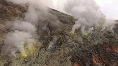 十勝岳、樽前山、駒ケ岳の火口にドローンで迫る
