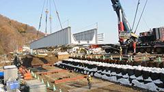 復旧急ぐ新得の鉄橋 JR根室線 年内開通目指す