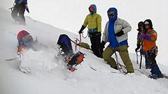 滑落したら― 上ホロカメットク山周辺で冬山訓練 上富良野