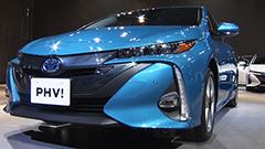 石原さとみさん高速充電に驚く トヨタ新型プリウスPHV電気モード走行68・2キロに
