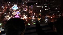 今年はテレビ塔の屋外テラスからの眺めも 大雪像など試験点灯<さっぽろ雪まつり>