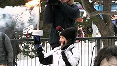 浅田舞さんら54人 成功祈り聖火リレー駆ける 市役所でカムイノミも<冬季札幌アジア大会>