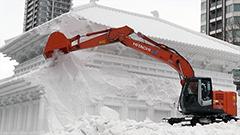 惜しまれつつ大雪像が解体 過去最多の264万3千人来場で閉幕<第68回さっぽろ雪まつり>