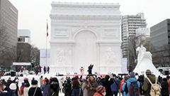 雪像に来場者の笑顔と歓声包まれ開幕 白銀の造形美に酔う<さっぽろ雪まつり>