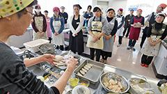 学生ら24人が函館産マダラ使い料理 ブランド推進協が教室