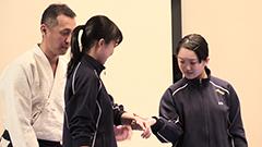 痴漢から身を守れ 北星女子で合気道の護身術実技指導